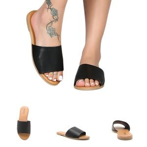 Black one band sandals
